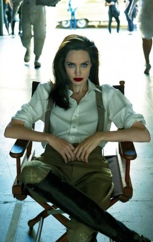 Анджелина Джоли ела змей на съемках своего фильма в Камбодже