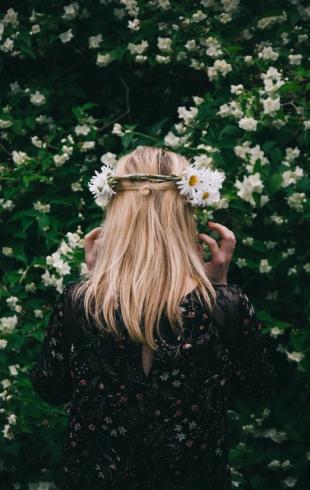 День блондинок: эффективные средства по уходу за осветленными волосами