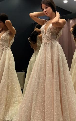 """Солистка """"ВИА Гры"""" Анастасия Кожевникова вышла замуж: первые свадебные фото"""