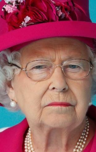Тайны королевской семьи: как Елизавета II подает помощникам сигналы с помощью сумки и кольца