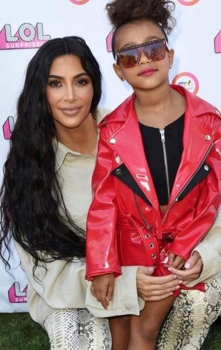 Дочь Ким Кардашьян дебютировала в модном показе (ФОТО)