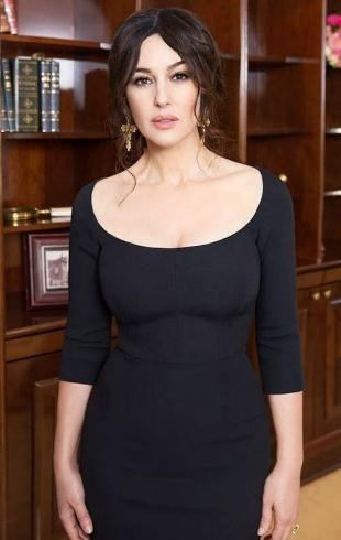 Моника Беллуччи накануне дня рождения украсила обложку итальянского журнала Griazia (ФОТО)