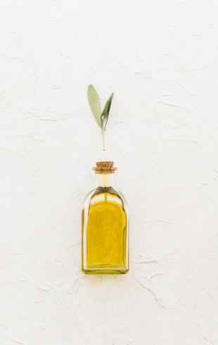 Как правильно наносить масло для волос