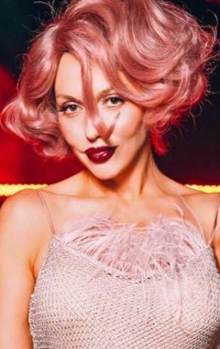 Оля Полякова рассказала, что у ее мужа вызывает ревность