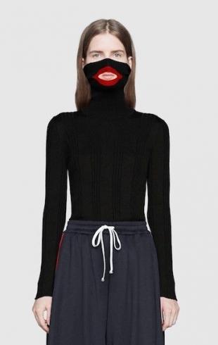 Gucci обвинили в расизме за выпуск черной водолазки-балаклавы: реакция бренда