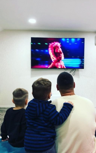 MONATIK опубликовал трогательные кадры с сыновьями