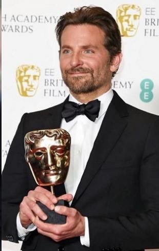 Брэдли Купер пошутил с принцем Уильямом на церемонии награждения BAFTA (ВИДЕО)