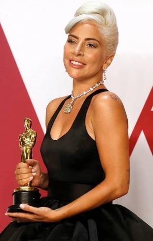 Леди Гага прокомментировала слухи о беременности