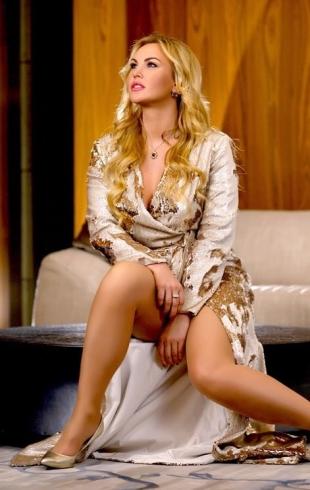 Стало известно, что восточный муж Камалии думает о ее эротических сценических образах