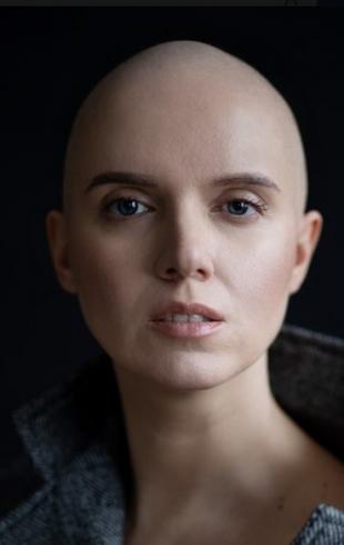 """""""Не всегда хочется впускать в свою печаль"""": Янина Соколова про рак и причины молчания о болезни"""
