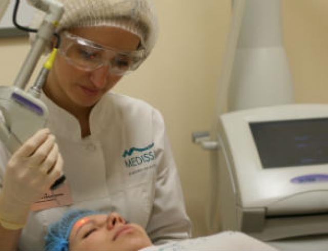 Омоложение кожи: лазерная фракционная шлифовка