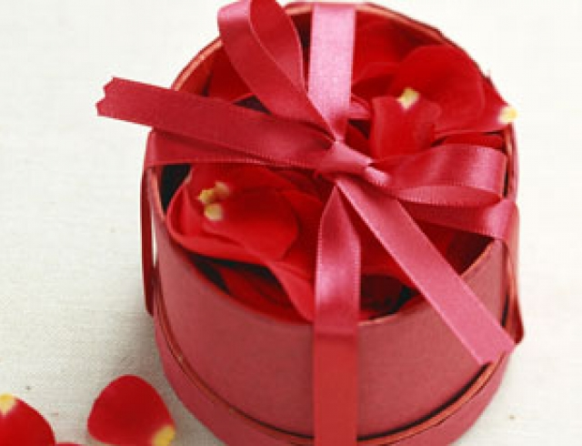 Что подарить мужчине на День влюбленных?