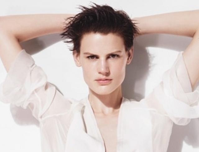Zara представила новый лукбук весна-лето 2012