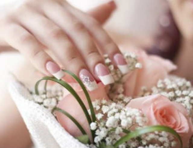 Идеи свадебного маникюра-2012