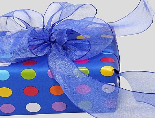О чем свидетельствует цвет подарочной упаковки?