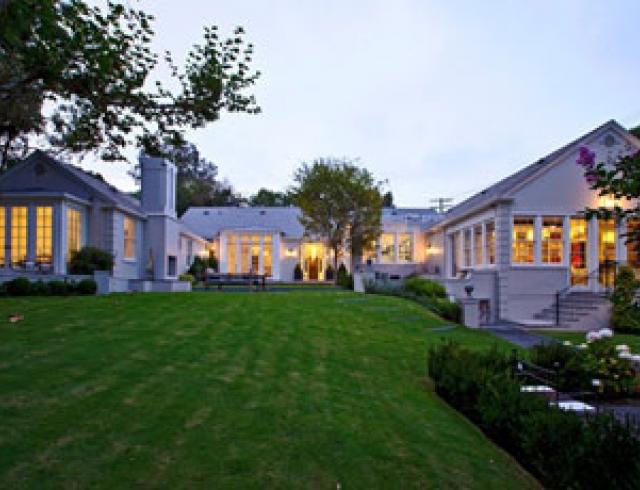 Пэлтроу и Мартин купили особняк за $10,5 млн. Фото