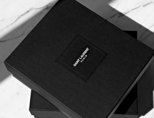 Бренд Yves Saint Laurent представил новый логотип