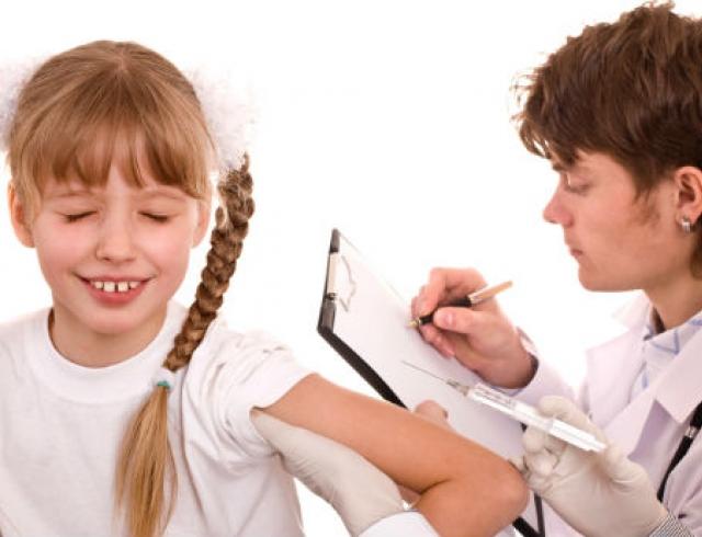 Какие прививки должен получить первоклассник?