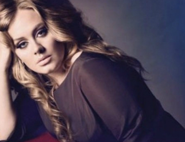 Певица Адель тайно вышла замуж