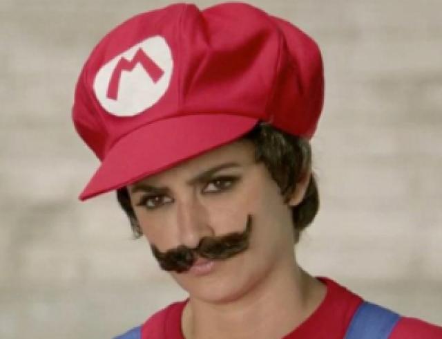 Пенелопа Крус снялась в образе Super Mario. Видео