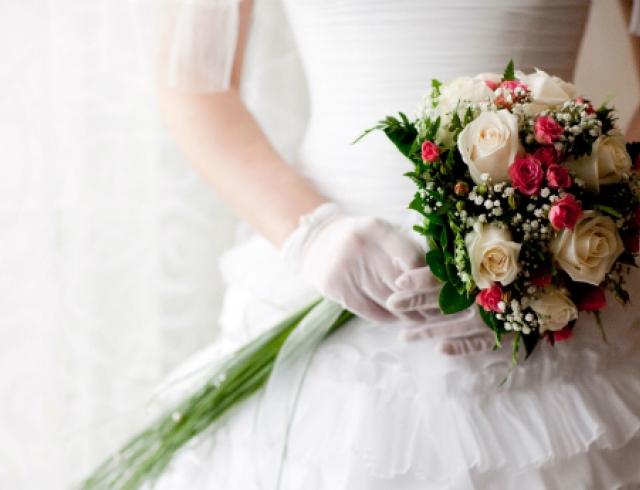 В какие свадебные суеверия не стоит верить? Видео