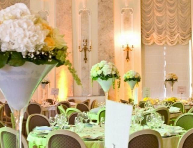 Как украсить место проведения свадьбы
