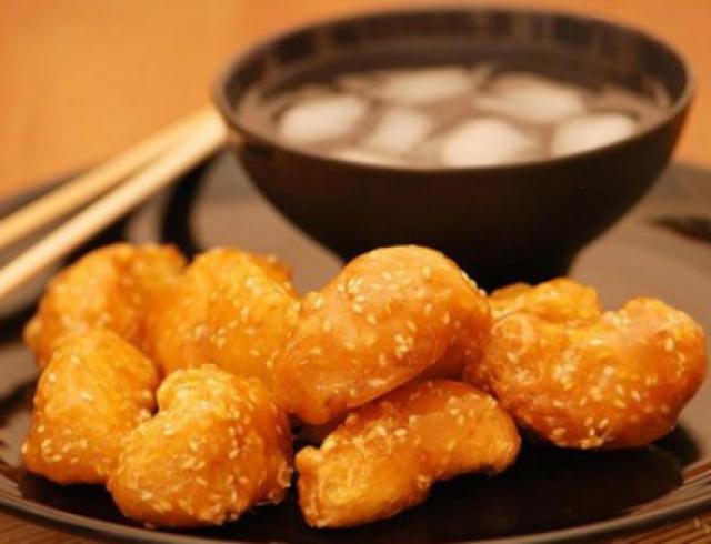 Китайский десерт: яблоки в карамели. Видео