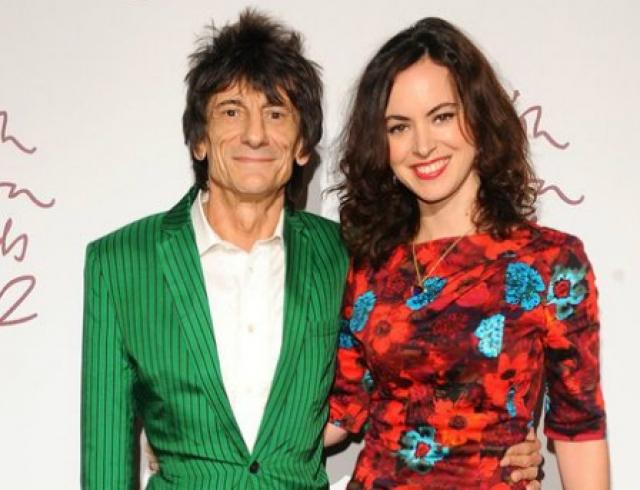 65-летний гитарист Rolling Stones Ронни Вуд женился