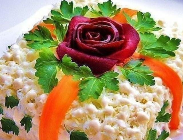 """Салат """"Рафаэлло"""": рецепт приготовления"""