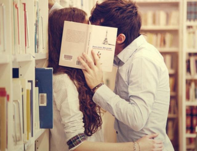 Какие книги дарить мужчинам на 23 февраля?