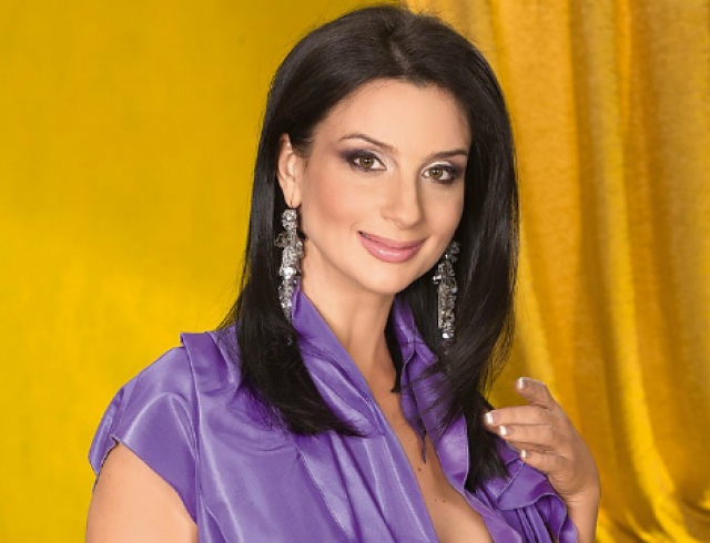 Екатерина Стриженова отметила свой юбилей на сцене