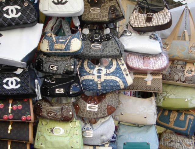 Модниц будут штрафовать за покупку подделок