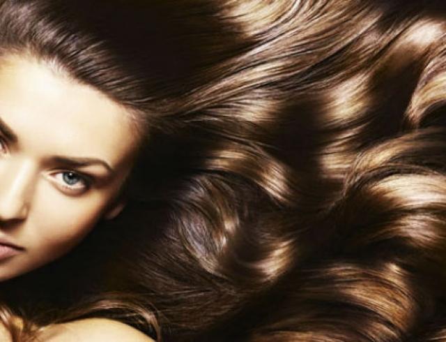 Как ухаживать за жирными волосами?