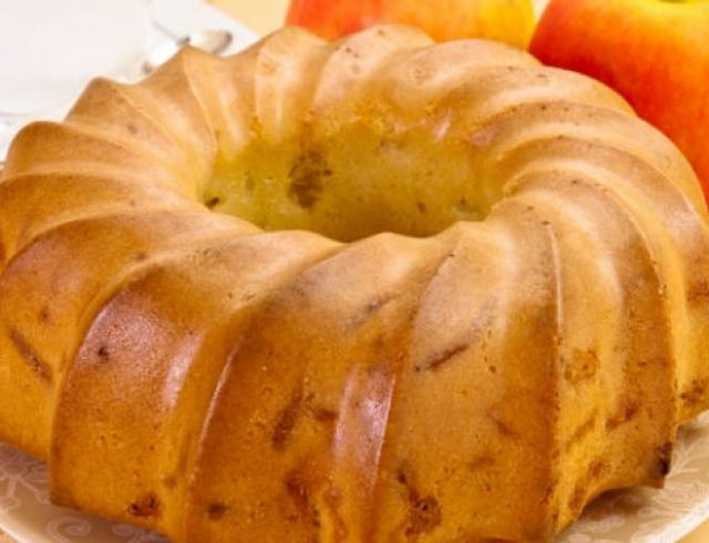 Сезонные рецепты: шарлотка на сметане