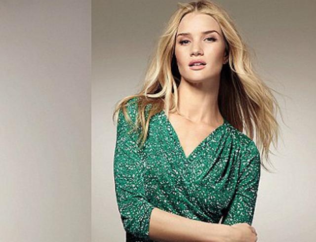 Рози Хантингтон-Уайтли представила летние платья Marks&Spencer 2014