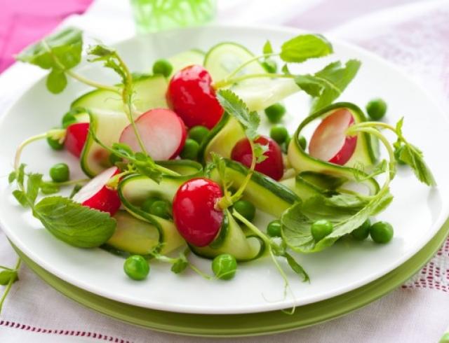 Салат из молодого редиса: рецепты приготовления