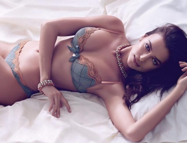 Ирина Шейк снялась в чувственной фотосессии для Twin Set