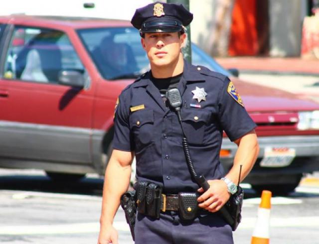 Полицейский Крис Корс - новый любимец пользователей соцсетей