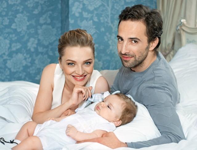 Илья Любимов и Екатерина Вилкова в семейной фотосессии для глянца