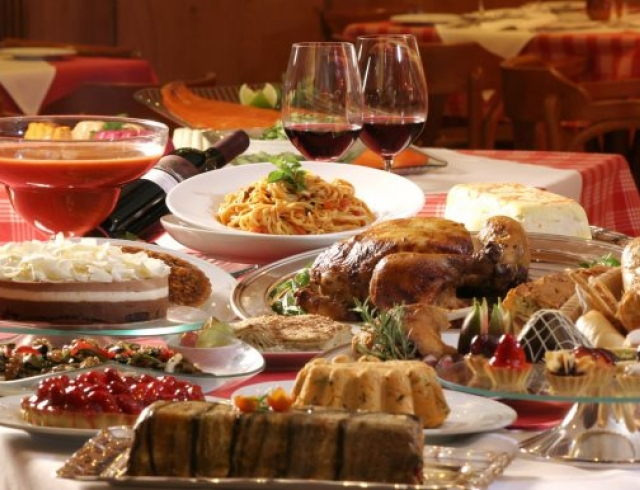 Какие продукты не стоит есть в новогоднюю ночь