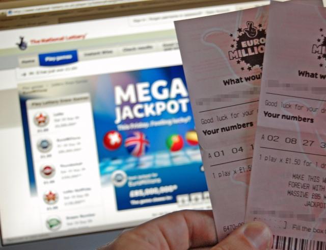 Самая богатая победительница лотереи в Англии выходит замуж за продавца машин