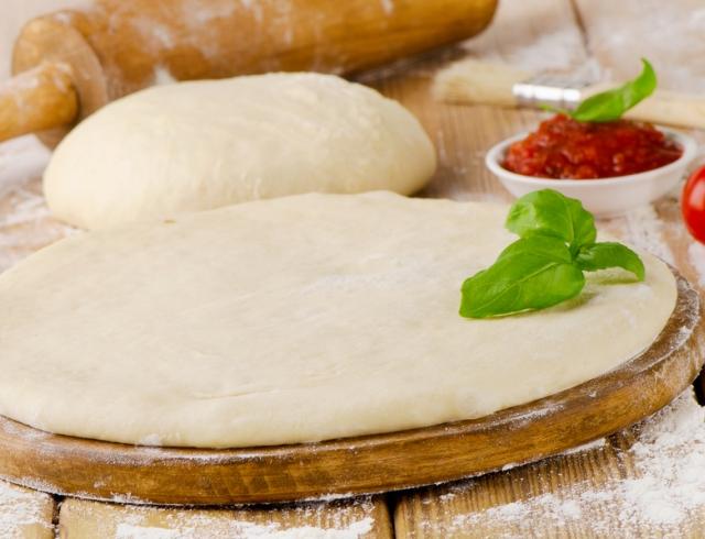 Тесто для пиццы: готовим вкусную основу для итальянского блюда