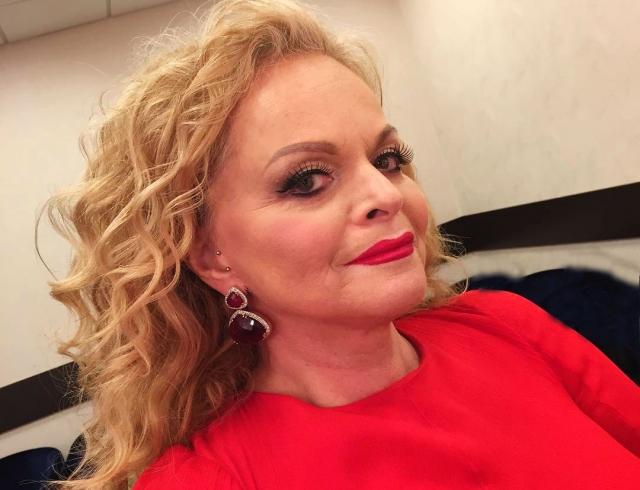 60-летняя Лариса Долина завела Инстаграм: селфи с пирсингом в ухе
