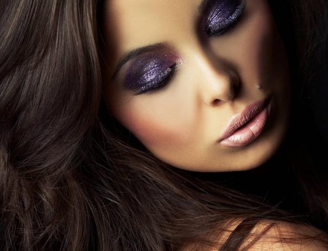 Какие привычки в макияже делают лицо старше