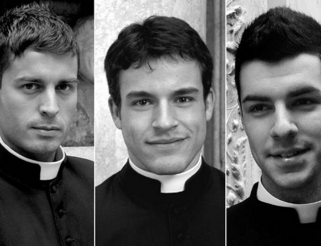 Красавчики в сутанах: Ватикан выпустил календарь с фотографиями молодых священников
