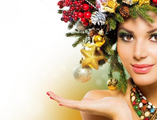 Идеи причесок на Новый год для длинных волос: фотогалерея