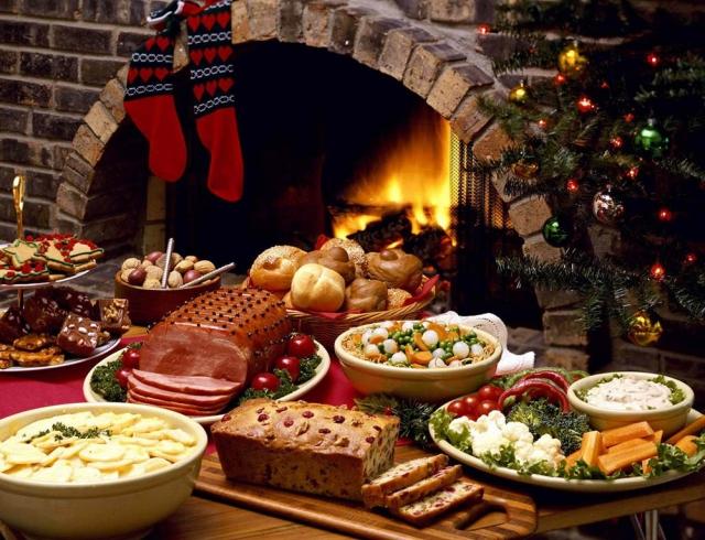 Как не переедать в новогодние праздники и сохранить фигуру: 4 лайфхака