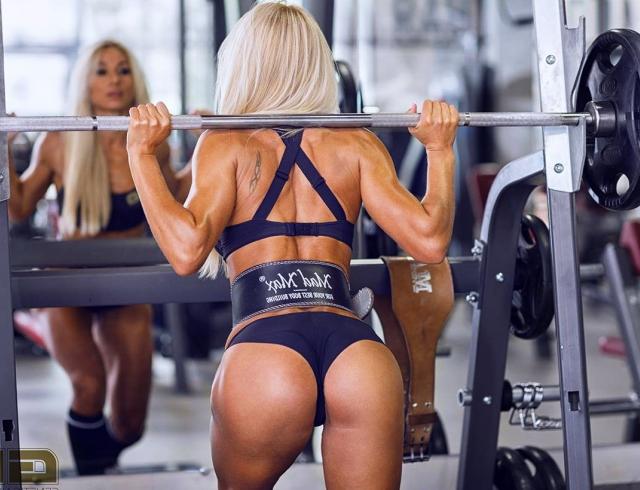 """Темная сторона фитнеса: чего стоит идеальное тело """"фитоняши"""""""