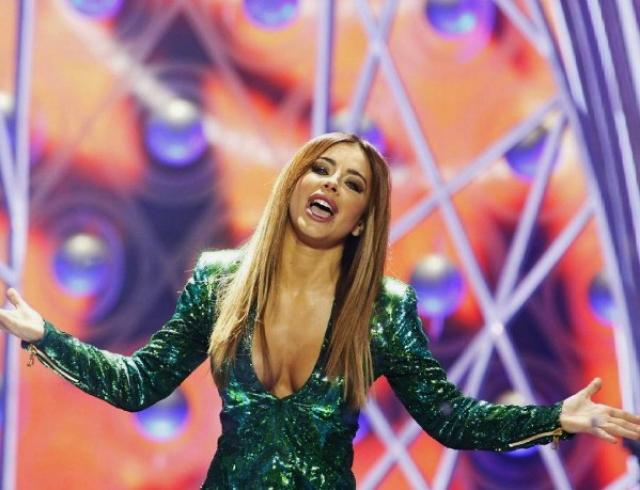 Как звезды экономят: Ани Лорак появилась в платье за $200