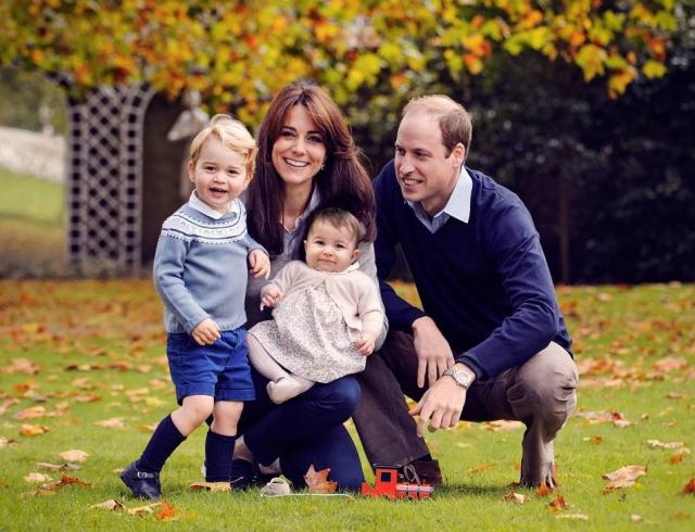 Семейная идиллия: новогодний подарок от королевской семьи